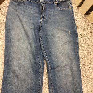 Lee Curvy Boyfriend distressed jeans w/stretch 18